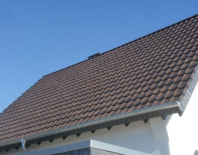 Batten made of engobe autumn leaf Piemont roof tile